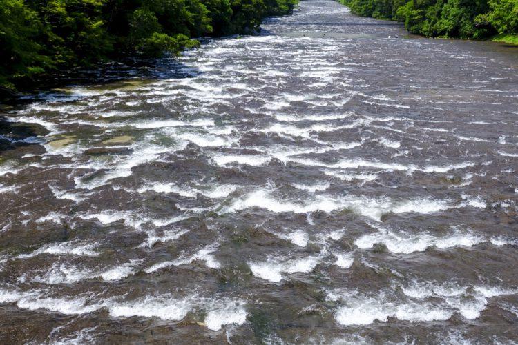花瀬川の石畳